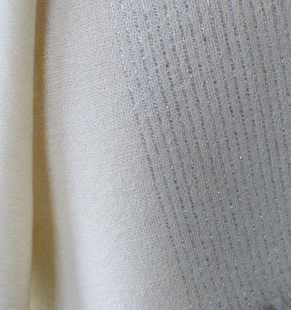 Silver Lurex - French Vanilla - close up